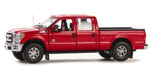 2016 Ford F250 XLT Pickup Truck with Crew Cab & 6' Bed - Red / Chrome at diecastdepot