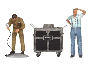 Ford Service Center circa 1945 figurines in 1:18 scale at diecastdepot