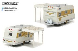 1964 Winnebago Travel Trailer 216 - Hitch & Tow Series 2 in 1:24 Scale at diecastdepot