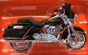 1999 Harley Davidson FLHT Electra Glide Standard at diecastdepot