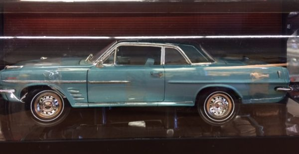 1963 Pontiac Lemans Coupe - Turqoise with dark green roof at diecastdepot