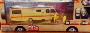 1986 Fleetwood Bounder Diorama with Walter and Jesse figures at diecastdepot