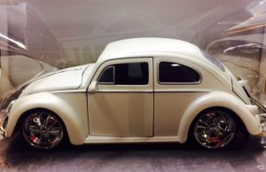1959 VOLKSWAGEN BEETLE- BIGTIME KUSTOMS at diecastdepot