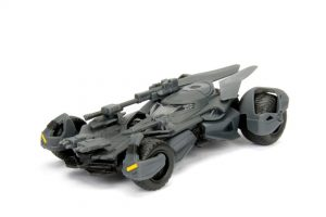 2017 Justice League Batmobile - 1:32 scale at diecastdepot