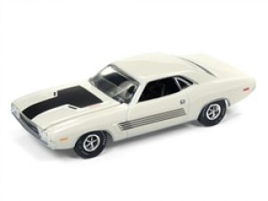 1972 DODGE CHALLENGER-WHITE- VINTAGE MUSCLE at diecastdepot