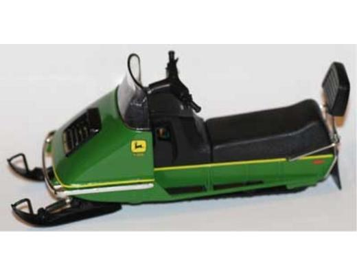 1972 JOHN DEERE 500 SNOWMOBILE