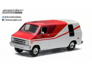1976 DODGE VAN - WHITE AND RED