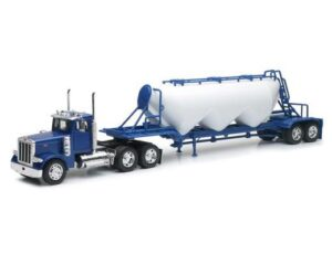 Peterbilt 379 Pneumatic Trailer