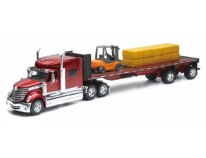 INTERNATIONAL LONESTAR FLATBED WITH FORKLIFT AND HAY