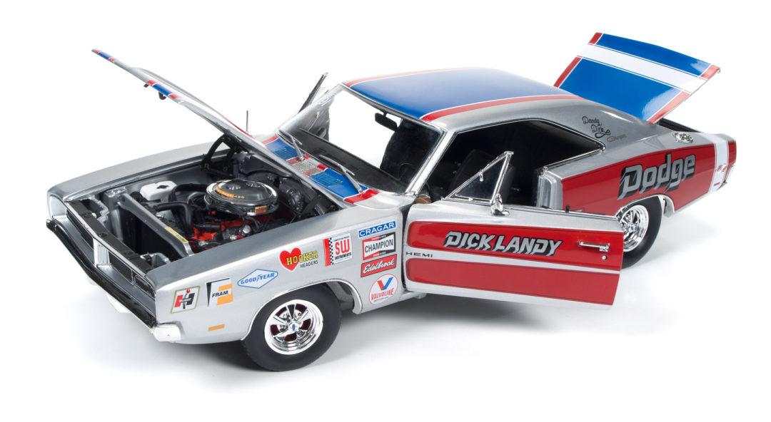 AUTOWORLD AW238 1:18 1970 DODGE CHARGER R//T DICK LANDY NHRA RACE CAR