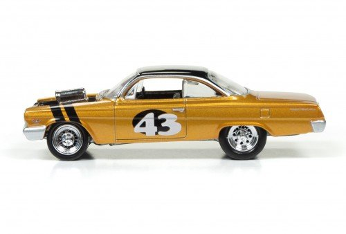 1962 Chevy Bel Air (Spoliers) (Metallic Yellow-Gold) at diecastdepot