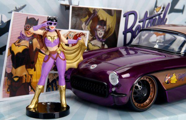 30457 1.24 dc comics bombshells 1957 corvette w batgirl 3 - 1957 CHEVY CORVETTE W/BATGIRL -DC COMICS BOMBSHELLS