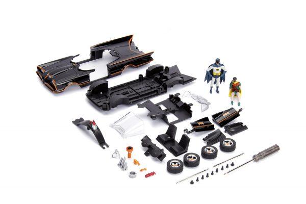30873 1.24 build n collect 1966 classic tv series batmobile w batman ... - 1966 Classic Batmobile w/Batman & Robin - Build N Collect