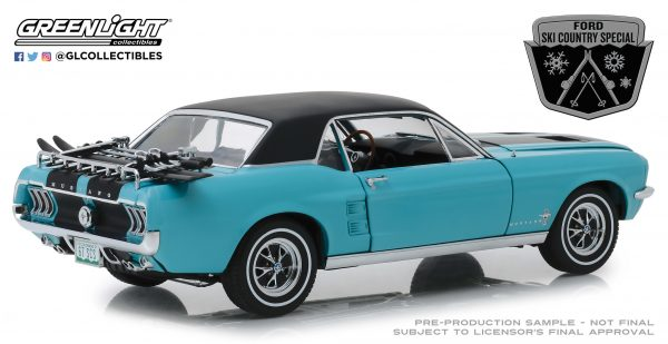 """13535g - 1967 Ford Mustang Coupe """"Ski Country Special"""" - Winter Park Turquoise 1:18"""