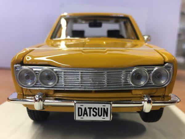 31518b - 1971 Datsun 510 - Yellow in 1:24 scale by Maisto