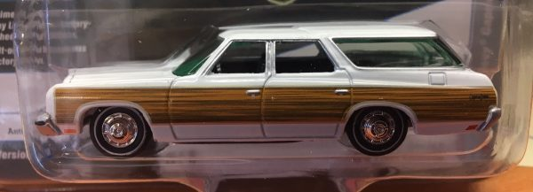 jlcp7003a - 1973 Chevy Caprice Estate - Antique White with wood grain