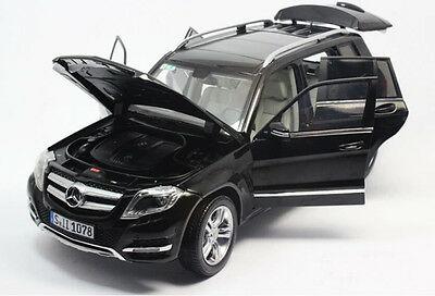 11008bk3 - 2013 Mercedes Benz GLK- Black 1:18
