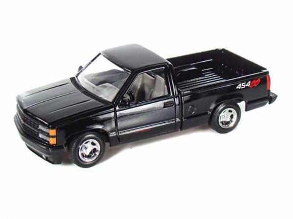 73203bk - 1992 Chevy 454 SS Pickup- Black 1:24