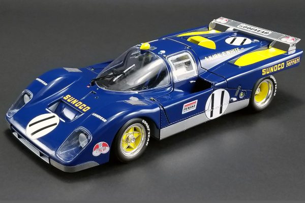 m1801001 - 1971 24 Hours of Le Mans - #11 Sunoco 512M