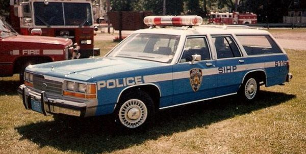 19062 1 - 1988 Ford LTD Crown Victoria Wagon - New York City Police Dept (NYPD)
