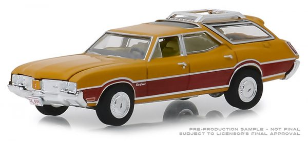 29950c - Estate Wagons Series 3 - 1970 Oldsmobile Vista Cruiser - Nugget Gold Poly and Wood Grain