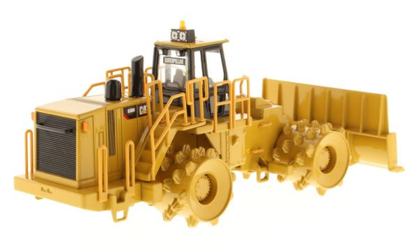 v3 85205 - CAT 836H Landfill Compactor- 1:50 Scale