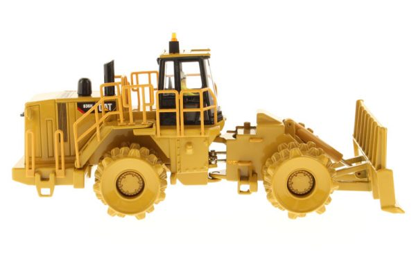 v4 85205 - CAT 836H Landfill Compactor- 1:50 Scale