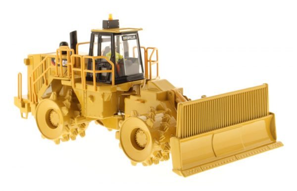 v5 85205 - CAT 836H Landfill Compactor- 1:50 Scale