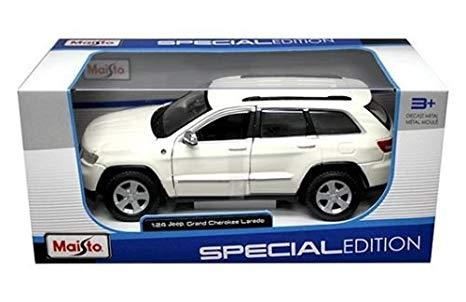 31205w - Jeep Grand Cherokee Laredo - white (more like cream)