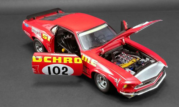 detail a1801829 3 - 1969 FORD BOSS 302 TRANS AM MUSTANG - DDA EXCLUSIVE #102 SIDCHROME