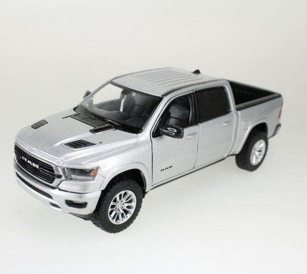 79357 silver - 2019 Dodge Ram 1500 Crew Cab Laramie - silver