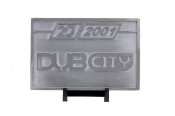 31077 1.24 jada 20th dub city 1999 chevy silverado dooley 7 scaled - 1999 CHEVY SILVERADO DOOLEY- 1:24 JADA 20TH ANNIVERSARY – DUB CITY