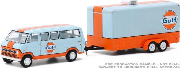 32200 b 1 64 hitch and tow 20 1972 ford club wagon w enclosed trailer frontb2b - 1972 Ford Club Wagon Gulf Oil with Enclosed Car Hauler