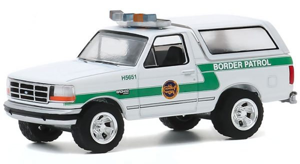 42920d - 1993 Ford Bronco - US Customs and Border Protection Border Patrol - Hot Pursuit Series 35
