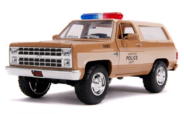31111a - Hawkins Police Dept - Hopper's Chevy Blazer with Police Badge - Stranger Things (Netflix Series, 2016-Current)