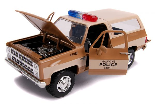31111b - Hawkins Police Dept - Hopper's Chevy Blazer with Police Badge - Stranger Things (Netflix Series, 2016-Current)
