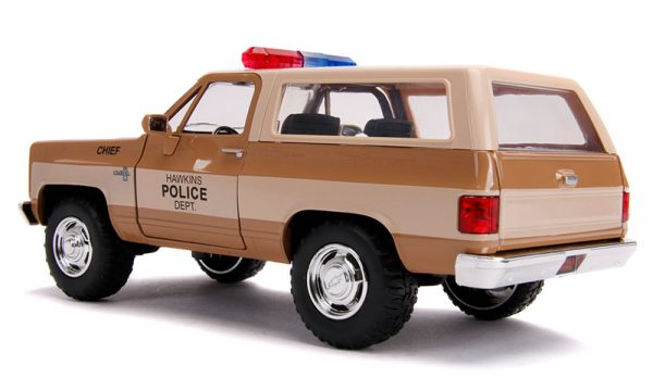 31111e - Hawkins Police Dept - Hopper's Chevy Blazer with Police Badge - Stranger Things (Netflix Series, 2016-Current)