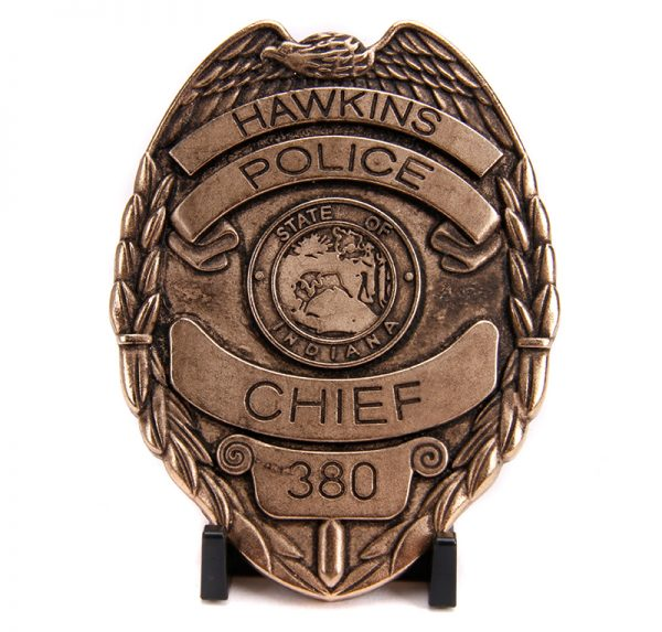 31111f - Hawkins Police Dept - Hopper's Chevy Blazer with Police Badge - Stranger Things (Netflix Series, 2016-Current)