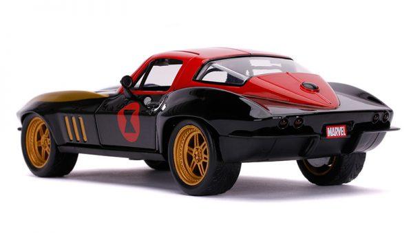 31749a - 1963 Chevrolet Corvette with Black Widow Figure
