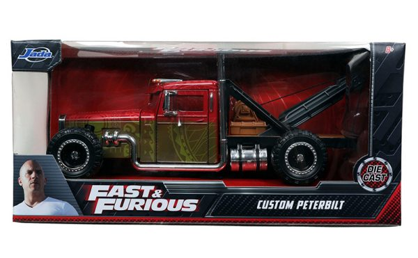 32089d - Fast and Furious Presents: Hobbs and Shaw (2019)---Custom Peterbilt Tow Truck