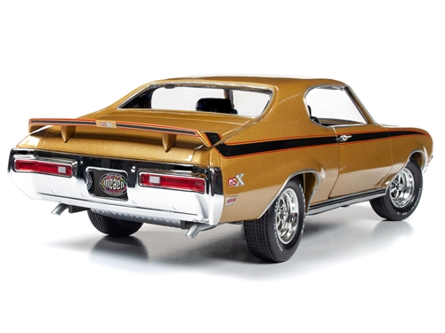 amm1198 7 - American Muscle 1971 Buick GSX Hardtop (MCACN) 1:18 Scale Diecast