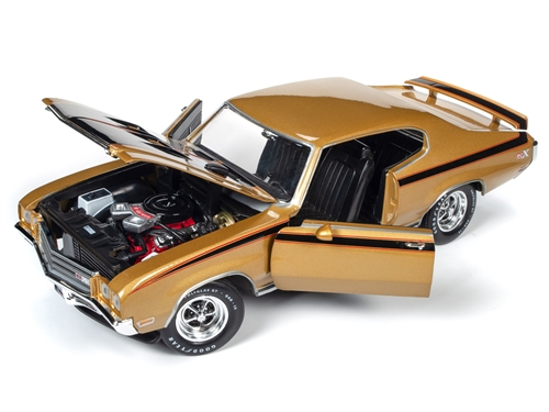 amm1198 9 - American Muscle 1971 Buick GSX Hardtop (MCACN) 1:18 Scale Diecast