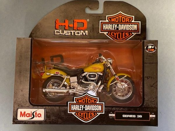 31360 38 1 rotated e1604770077435 - 1977 HARLEY DAVDISON FXS LOW RIDER MOTORCYCLE - YELLOW IN 1:18 SCALE