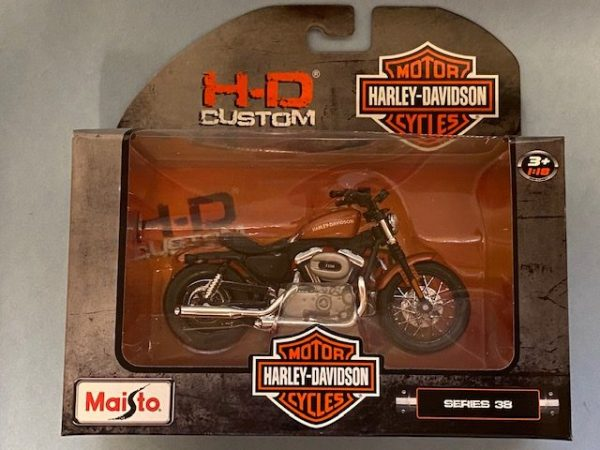 31360 38 3 rotated e1604770768160 - 2007 HARLEY DAVIDSON XL 1200N NIGHTSTER - 1:18 SCALE
