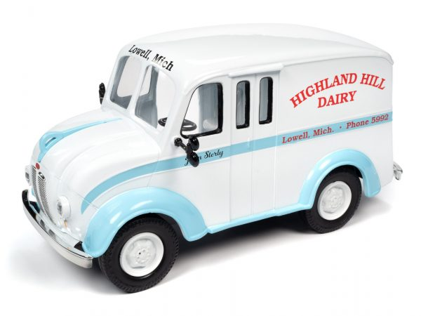 aw24010 - 1950 DIVCO DELIVERY HIGHLAND HILLS DAIRY TRUCK - 1:24 scale