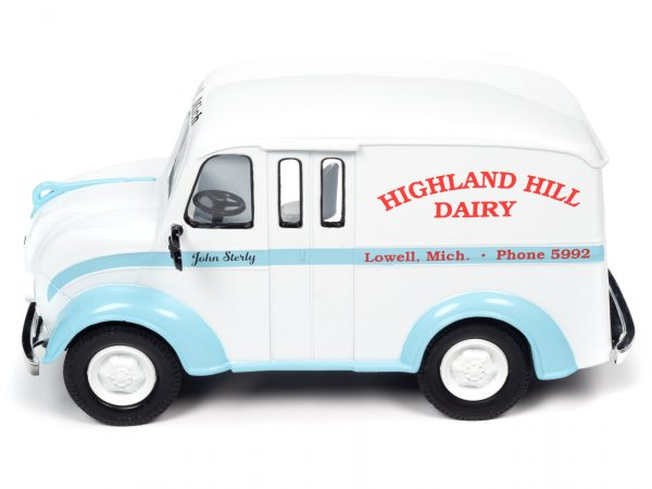 aw24010a - 1950 DIVCO DELIVERY HIGHLAND HILLS DAIRY TRUCK - 1:24 scale