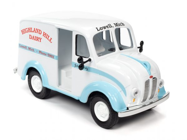 aw24010c - 1950 DIVCO DELIVERY HIGHLAND HILLS DAIRY TRUCK - 1:24 scale