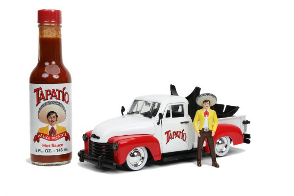 31968 1.24 hwr tapatio 1953 chevy pick up w charro man 2 scaled - 1953 Chevrolet Pickup Truck - Jada - Hollywood Rides - Tapatio Charro Man (Does not include Tapatio hot sauce)