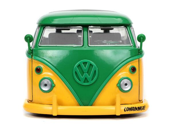 31786b - 1962 Volkswagen Bus with Leonardo Figure